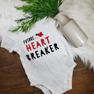 🌿5/$25 Carter's Red Heart Breaker Bodysuit | 24m